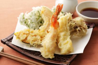 職人による揚げたての天ぷらでおもてなし